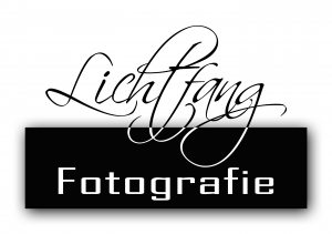 Logo von Lichtfang - Unterwasserfotografie, Wolfshunde und Hochzeiten